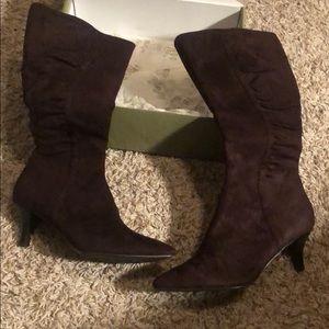 Brand new women's nova boots